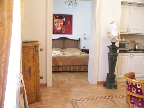 St. George Residence in the Buda Castle: View of bedroom from Main room